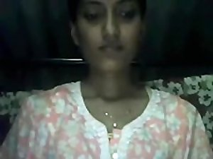 Kanpur Aunty Shows her stuff